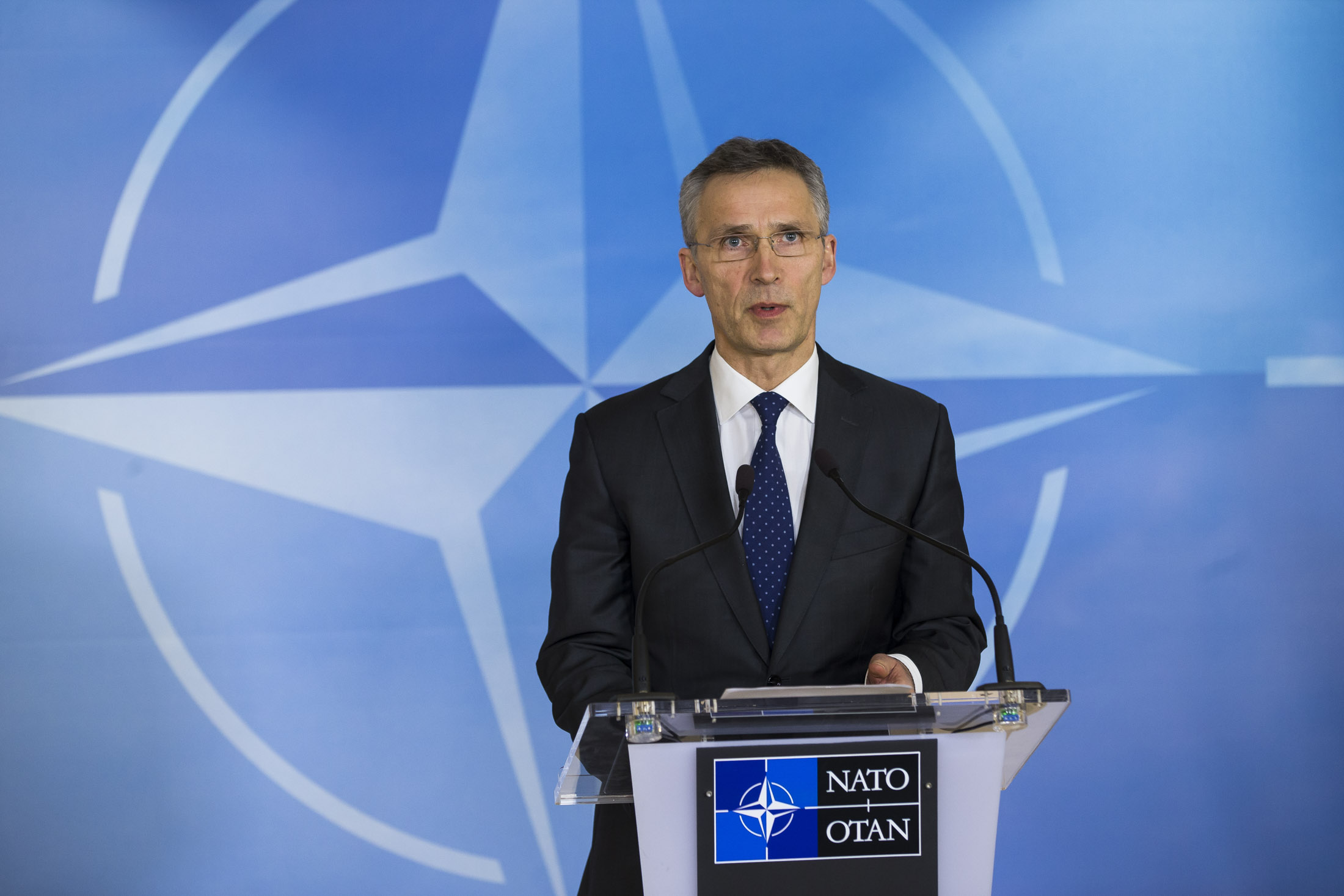 Press conference by NATO Secretary General Jens Stoltenberg following the meeting of the North Atlantic Council at the level of Defence Ministers. Photo Source:http://www.nato.int/cps/en/natohq/photos_141353.htm